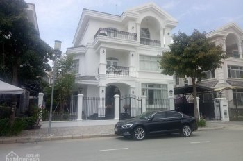 Cho thuê gấp biệt thự Phú Mỹ Hưng, 4 phòng ngủ, đầy đủ nội thất, giá tốt nhất. LH 0918360012