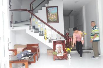 Cần bán căn nhà đẹp 120m2, lầu,SHR,2PN,2WC,2 máy lạnh,đg số 8 Lò Lu,Q9