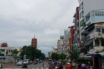 Bán nhà mặt tiền ngay góc ngã 4 Trần Hưng Đạo - Nguyễn Tri Phương, Q5. 4,5 x 26m, CN 95m2, 23 tỷ TL