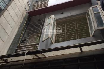 Cần bán nhà phố Xuân Thủy, kinh doanh sầm uất, ô tô vào nhà, 42m2x4T, giá 8.5 tỷ