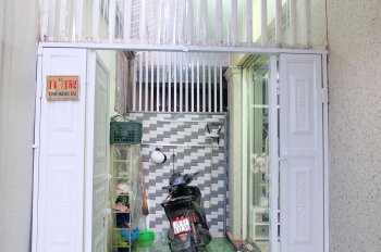 Cần bán nhà chợ hàng cũ, để lại tất cả đồ nội thất, 3 phòng ngủ + 1 phòng karaoke. 0904.426.339