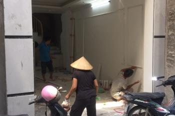 Bán nhà 5 tầng mặt phố 220 Hoàng Mai, ô tô đỗ cửa, DT 40m2, giá 4,6 tỷ. 0903482689