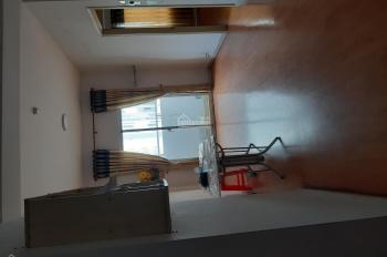 Cho thuê căn hộ ngay mặt tiền Nguyễn Văn Linh, 4tr/th, nhà thoáng mát, tầng 12