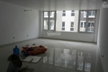 Cần cho thuê gấp nhà nguyên căn mặt phố Hoa Bằng, mặt tiền 6m. 0972075383