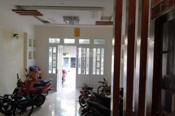 Bán nhà mặt tiền đường nội bộ khu Á Châu phường 2. LH: 0983605285