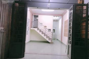 Cho thuê nhà 1 trệt 1 lầu giá 12tr/th KDC Phú Hoà 1 . Thủ Dầu một, 1 trệt 2 lầu.4pn, ,đường xe hơi
