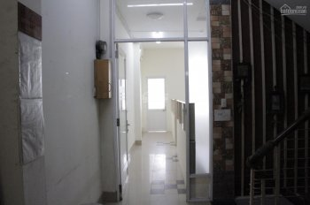 Văn phòng cho thuê từ 5.5 triệu DT: 24m2 / 47m2 mặt tiền đường Cộng Hòa, Tân Bình. LH: 0906923129