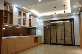 Bán nhà ngõ 196 Trần Duy Hưng, cách đường lớn 20m, nhà mới, đẹp rộng 50m2. LH: 0984408805