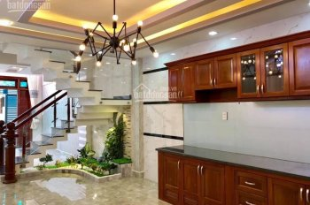 Cho thuê nhà HXH 6m Nguyễn Văn Công cách sân bay chỉ 1km 4 x 12m 3 lầu, giá 25tr/th