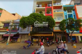 Nhà mặt phố Đinh Tiên Hoàng, quận Bình Thạnh đường 2 chiều DT 6x18m, trệt, 2 lầu, gía 70tr/tháng