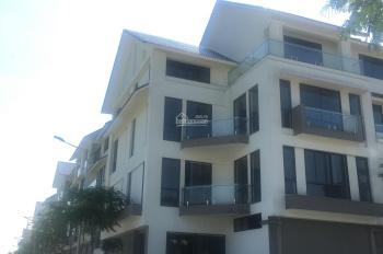 Bán liền kề C8 Geleximco, vị trí đẹp, nhìn sang biệt thự, giá 42tr/m2. LH 0985515565