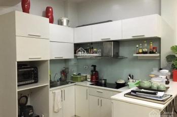 Cho thuê nhà ở phố Đào Tấn, DT 50m2 x 4,5 tầng MT: 4m5 6 phòng ngủ, GT: 15tr/th, LH: 0903215466