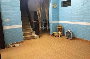 Cho thuê nhà trong ngõ phố Bạch Mai 3t x 40m2 nội thất cơ bản nhà sạch sẽ 6.5t LH 0902065699