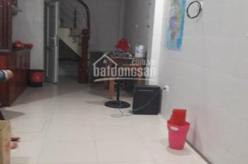 Cho thuê nhà riêng Phố Vọng, Q Hai Bà Trưng, gần Giải Phóng 25mx 5 tầng 8,5 triệu/tháng.