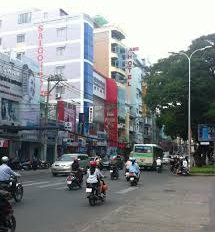 Cho thuê nhà mặt phố Lê Văn Sỹ, Q3, DT: 8x23m, 2 lầu giá 150 tr/th