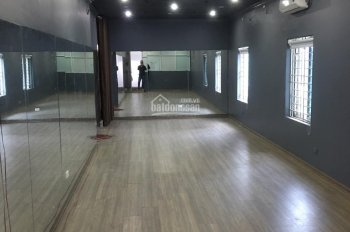 Cho thuê văn phòng tại tầng 3 mặt đường Phố Huế làm online hoặc lớp học