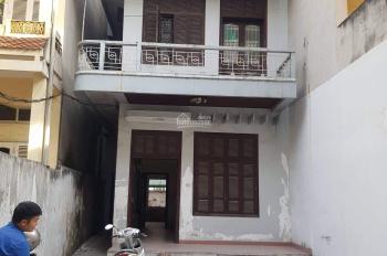 Cho thuê nhà 3 tầng, mặt ngõ 69 Đặng Văn Ngữ, ô tô đỗ sân rộng