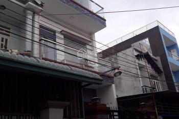 Bán nhà 1 trệt 2 lầu sân ô tô giá rẻ ngay sau chợ Đông Hòa, Dĩ An, Bình Dương