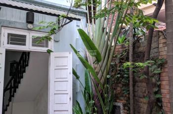 Chính chủ cần bán nhà riêng tại một khu đất Ngoại Giao phố Đội Cấn, Ba Đình