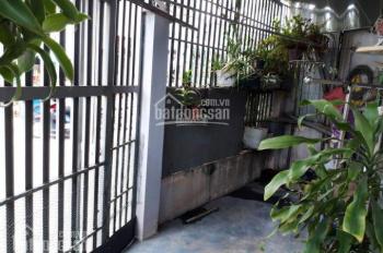 Chính chủ bán nhà 2 mặt tiền, hẻm an ninh, giá rẻ, LH 0913878323