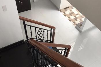 Bán nhà 2 lầu tuyệt đẹp cao cấp HXH Chu Văn An, P12, Bình thành, DT: 4.7x12m, giá: 5.65 tỷ