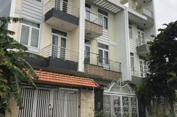 Bán gấp nhà phố nguyên căn khu dân cư 13E Intresco, đường Nguyễn Văn Linh, giá rẻ