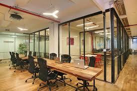 Cho thuê mặt bằng Cộng Hoà P13, Tân Bình, 8x18m, 2 tầng. Giá: 120 Tr/th