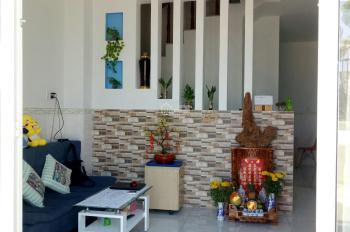 Nhà 2 lầu mới xanh full nội thất đường Quốc Lộ 50, sổ hồng riêng