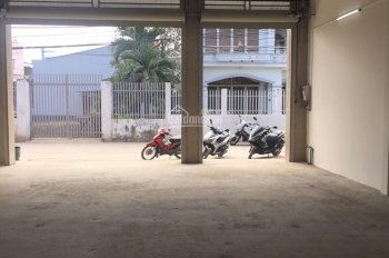 Cho thuê kho xưởng 10 x 20m trống suốt hẻm xe tải đường Lê Trọng Tấn