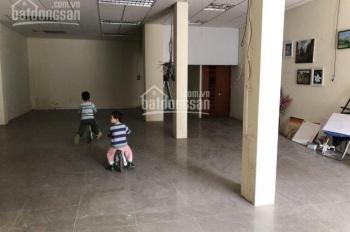 Cho thuê cửa hàng showroom mặt phố An Dương. DT: 120m2, giá: 30tr/th