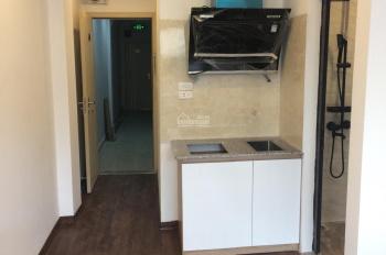 Chính chủ cho thuê căn hộ studio 28m2, đầy đủ đồ điều hòa giường tủ phố Hàm Long, cách hồ Gươm 400m