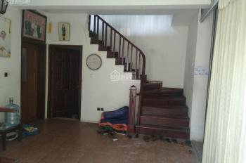 Cho thuê phòng trọ 32m2 tại phố Thanh Lân, sạch, đẹp giá rẻ chỉ 3 tr/th, LH 0902127450