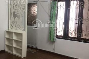 Cho thuê nhà riêng gần Văn Miếu, Quốc Tử Giám 5 tầng x 2PN, full đồ, giá 6,5tr/th, LH: 0902065699