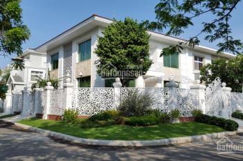 Bán biệt thự tứ lập Mỹ Gia, Phú Mỹ Hưng, Quận 7, DT: 256m2, nhà mới sân vườn rộng, LH: 0912183060