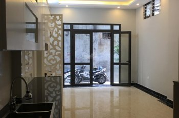 Bán nhà ngõ 42 phố Thịnh Liệt, gần UBND Quận Hoàng Mai, ô tô vào cửa, 43m2 x 5 tầng, 3,6 tỷ