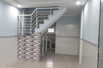 Bán gấp nhà hẻm xe hơi đường 339, phường Phước Long B, DT 17,6m giá 1tỷ620tr LH 0988320837