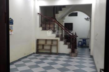 Cho thuê nhà riêng tại đường Nguyễn Khoái 4T x 4PN có điều hòa nóng lạnh, 6 tr/th, 0982657296