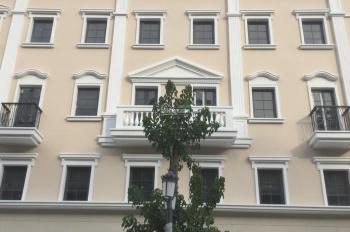 Chính chủ cần bán khách sạn 3* 35 phòng - trung tâm Bãi Cháy Hạ Long - sát biển - sát công viên
