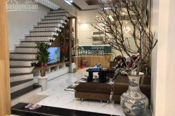 Bán nhà 4 tầng vị trí đẹp mặt vườn hoa đường Lê Hồng Phong, Hải Phòng