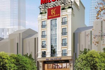 Cho thuê showroom, mặt bằng kinh doanh cạnh Royal City, DT: 250m2, nhà căn góc 2 mặt tiền