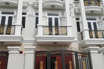 Bán nhà Thạnh Lộc 44 cách Hà Huy Giáp 500m, gần cầu Phú Long. 1 trệt 2 lầu, giá: 3.65 tỷ