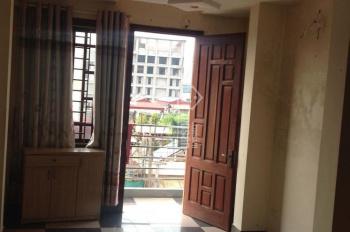 Cần cho thuê căn hộ chung cư số nhà 45 ngõ 16 Thái Hà, gửi xe tầng 1 free, không chung chủ