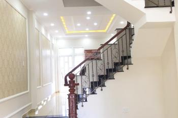 Nhà mới Đường 18 Phạm Văn Đồng, sổ hồng riêng đường ô tô - kế bên Gigamall, liên hệ 0903002788