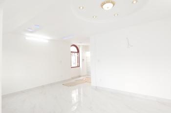 Cho thuê mặt tiền nội bộ biệt thự Quận 8, đường Phạm Hùng, 9x20m, giá 100 tr/th, kết cấu: Hầm, 3 L