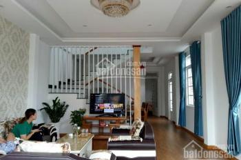 Cần bán gấp nhà đẹp, đường bằng phẳng tại Ngô Quyền, phường 6, Đà Lạt