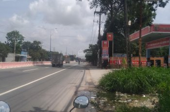 Đất mặt tiền đường Quốc lộ 13, cách cổng Đại Nam vài bước chân