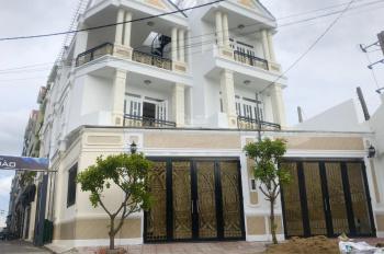 Bán nhà mặt tiền kinh doanh Quốc Lộ 13, gần Cân Nhơn Hòa, khu đô thị Vạn Phúc DT 5x20m