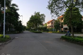 Cần bán biệt thự 272m2x3 tầng, mặt đường đôi Long Việt trong khu biệt thự Quang Minh