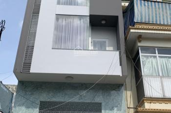 Cho thuê nhà nguyên căn mặt tiền đường Ngô Quyền, Q. 10. DT: 4x12m, 1 trệt 3 lầu, kinh doanh tự do