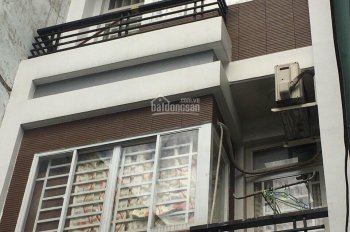 Cho thuê nhà HXH Nguyễn Tiểu La, Q. 10, 2 lầu ST 4PN, DT 44.2m2, 17 tr/th